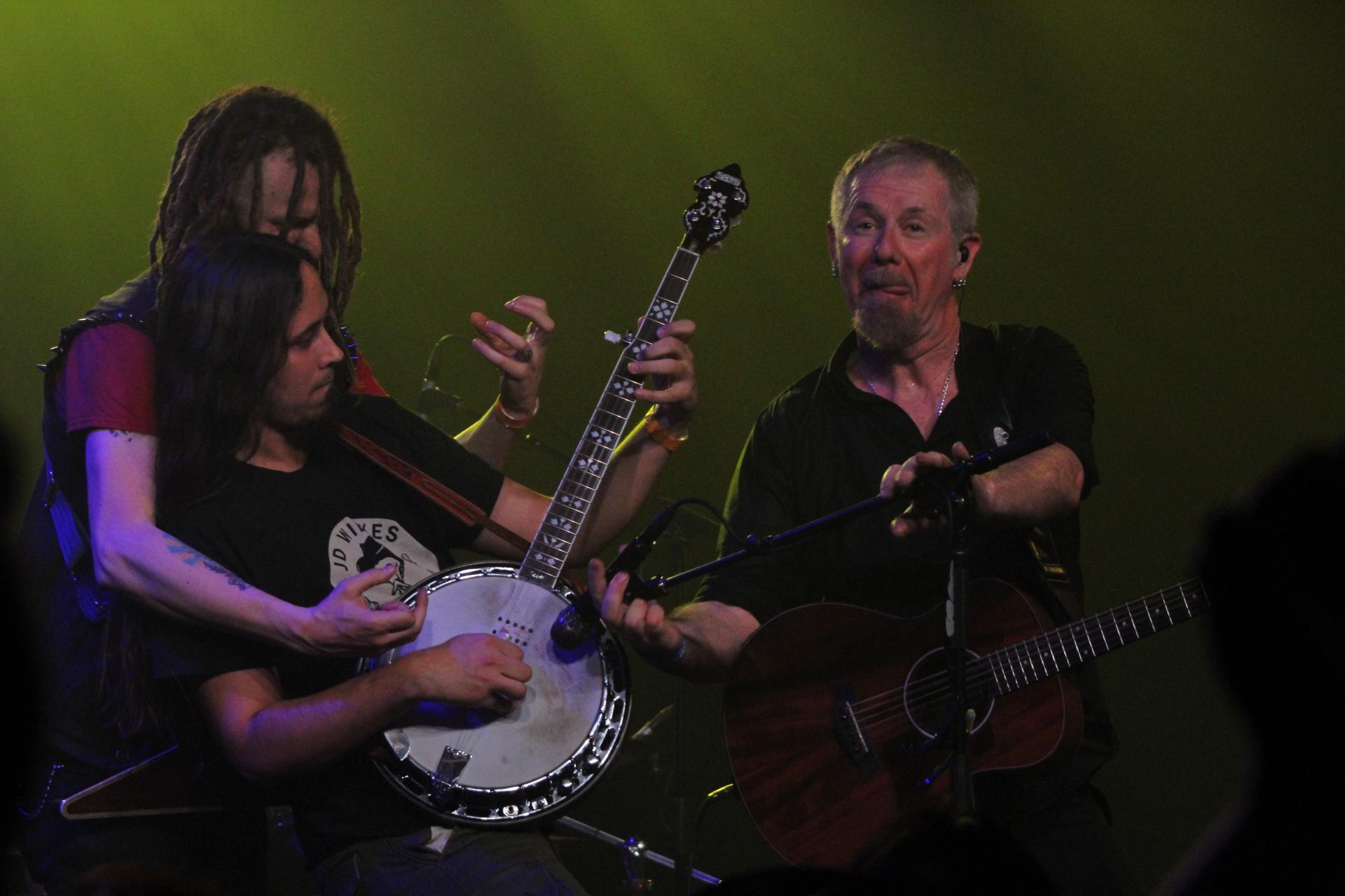 Keith Roberts with Folk Hogan